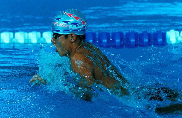 男子游泳运动员