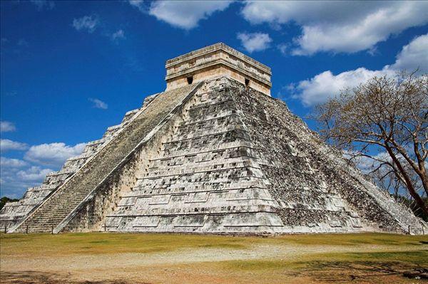 卡斯蒂略金字塔,库库尔坎金字塔