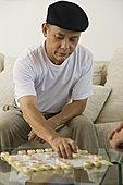 成熟的人玩中国象棋