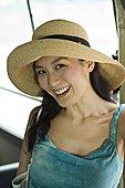 一个年轻女人,微笑,肖像,旅游巴士