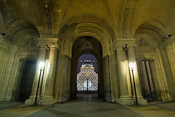 图片标题:俯视,通道,卢浮宫,玻璃金字塔,夜晚