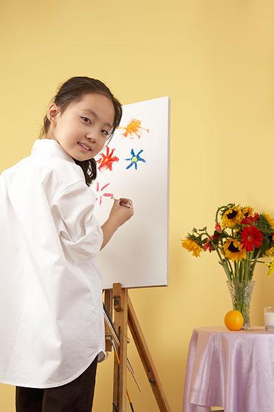 意大利 小女孩画画