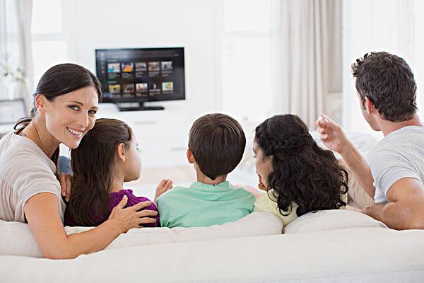 家庭,看电视,客厅