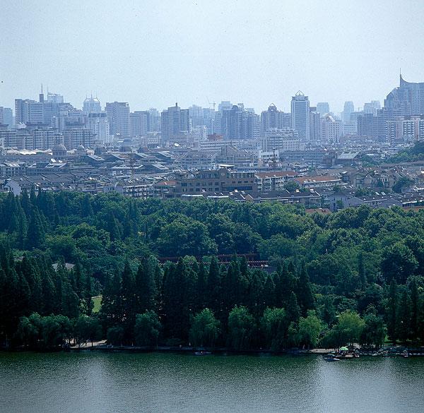 浙江杭州西湖十景之一--柳浪闻莺