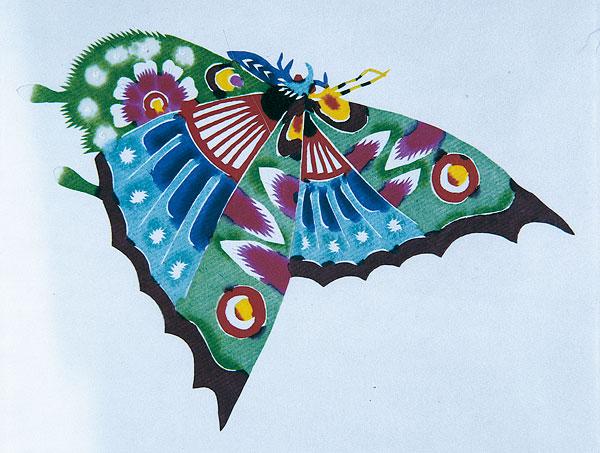 蝴蝶风筝剪纸步骤