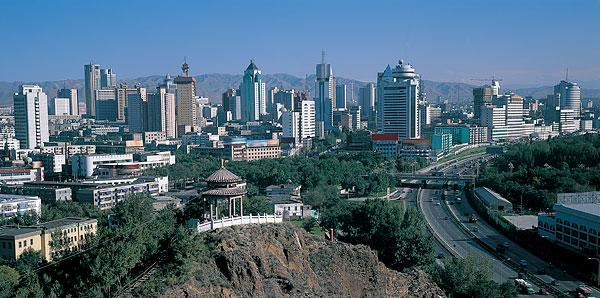 新疆省乌鲁木齐红山-全景图片-读图时代