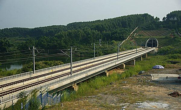 武广高速铁路大瑶山隧道