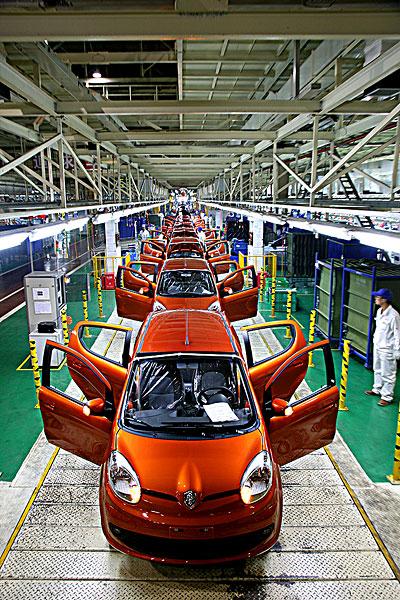 重庆长安汽车渝北工厂汽车总装生产线
