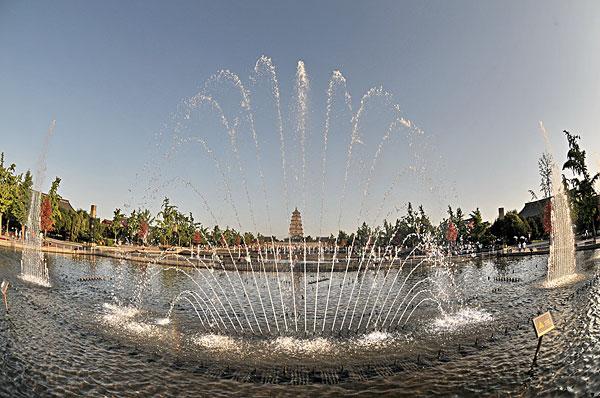西安大雁塔喷泉广场