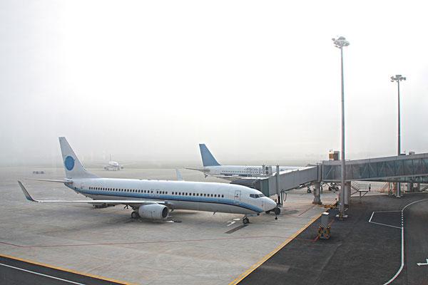 飞机 机场 600_400