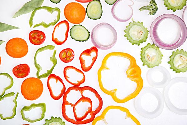 标题: 蔬菜切片 标签: 静物,蔬菜,西红柿,美味,食品 描述: 蔬菜切片 英文描述: 图片编号: mhrf-cpmh-35447c30zzl 版权属性: 肖像权(不需要肖像权) 授权类型: 免版税类(RF)图片 最大尺寸: 60M(RGB),5616x3744像素