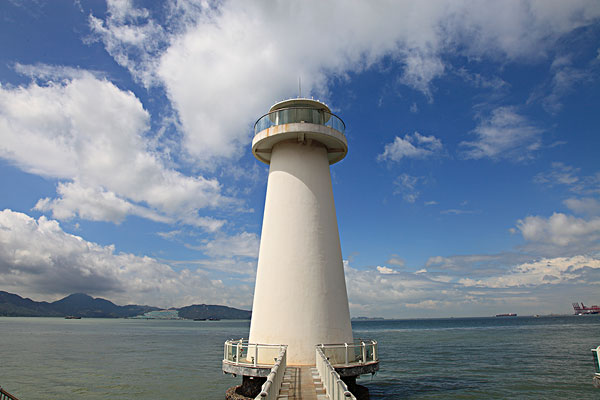 深圳蛇口海边的灯塔