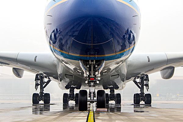 飞机轮子_飞机轮子图片