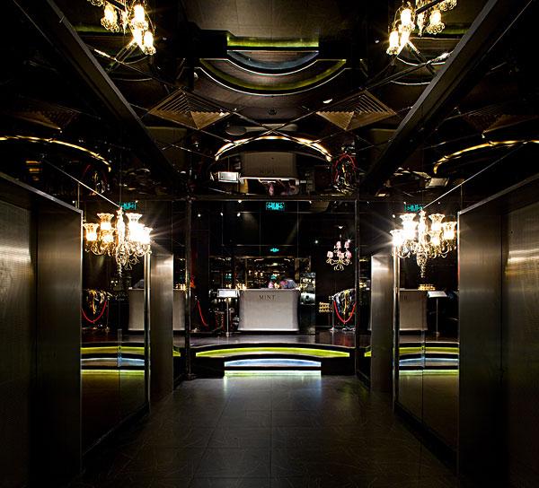 qq餐厅夜店风格装修