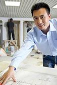 建筑师和建筑图纸