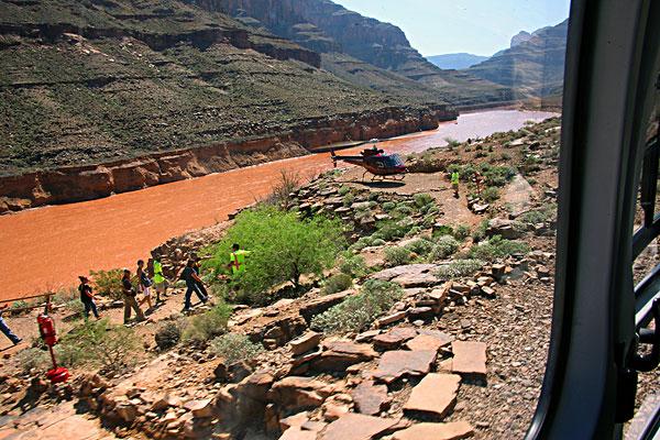 >直升飞机  拉斯维加斯大峡谷直升