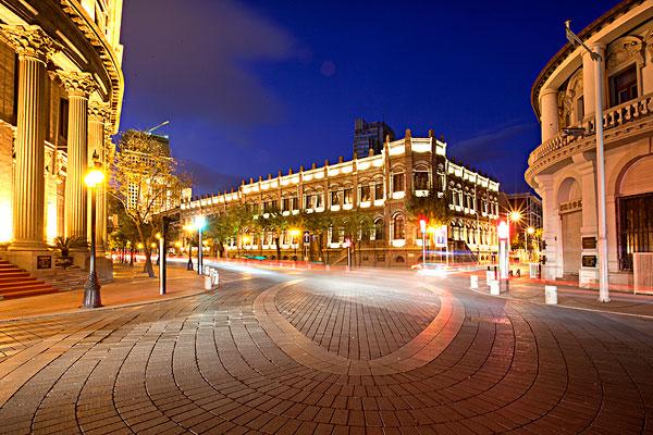 欧式小镇街道夜景
