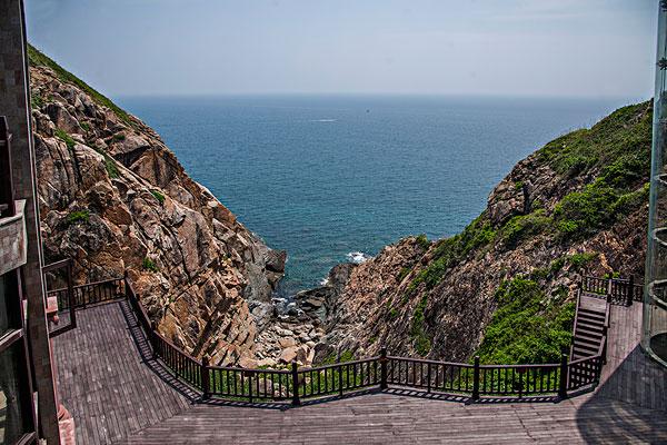 海南陵水分界洲岛观海亭峡谷