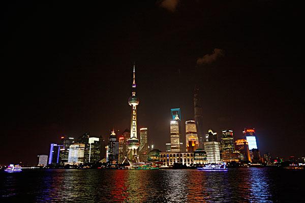标题: 东方明珠 标签: 金茂,照片,旅游,风景,城市 描述: 上海,东方明珠,电视塔 英文描述: 上海,东方明珠,电视塔 图片编号: 238-14093 版权属性: 肖像权(不需要肖像权) 授权类型: 版权管理类(RM)图片 最大尺寸: 60M(RGB),5616x3744像素