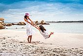 少妇,晃动,女儿,海滩,萨丁尼亚,意大利