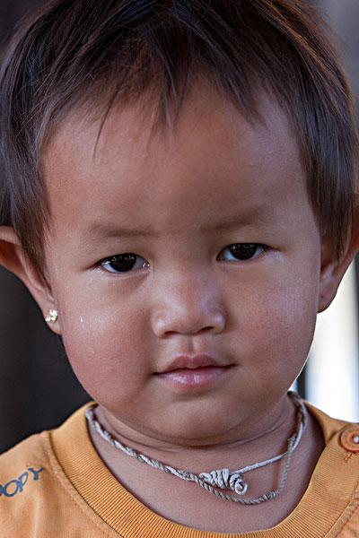 缅甸小勐拉女人图片