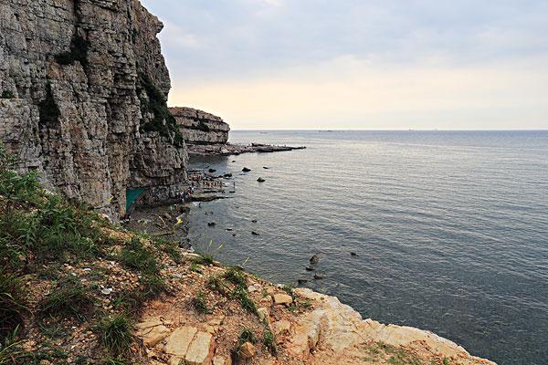 旅游攻略 >长岛  山东长岛海边岩石下载相似预览购买