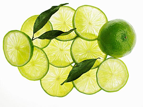 我喜欢分 享 标题: 标签: 柠檬,酸橙片,叶子 描述: a whole lime