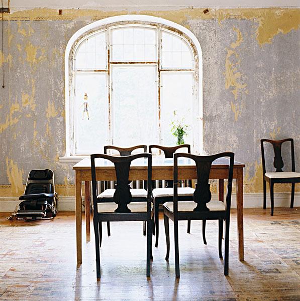 欧式风格的桌子素描图
