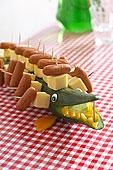 黄瓜,鳄鱼,奶酪,香肠,棍,儿童聚会