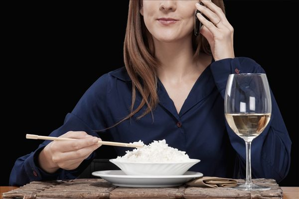 女人吃东西 女人吃东西图片