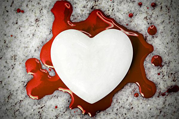 流血的心图片展示_流血的心相关图片下载