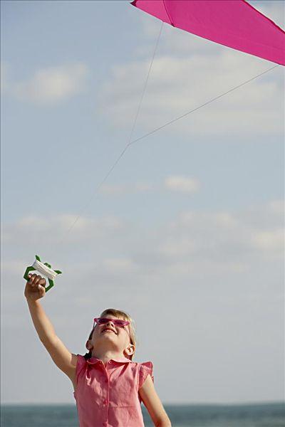 女孩,放风筝图片