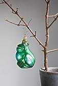 圣诞饰物,悬挂,秃树