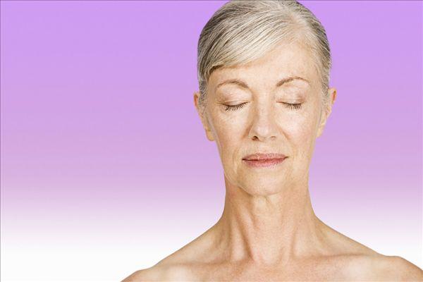 白发老年女人发型短发图片展示图片
