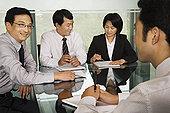 中国商人在一次会议上