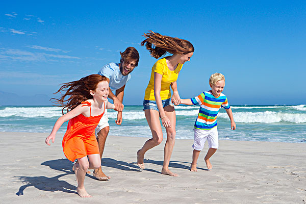 外出旅游服装图片_全家旅游卡通,全家去旅游的图片,全家外出旅游_大山谷图库