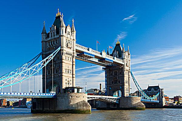 英国伦敦塔桥_全景图片