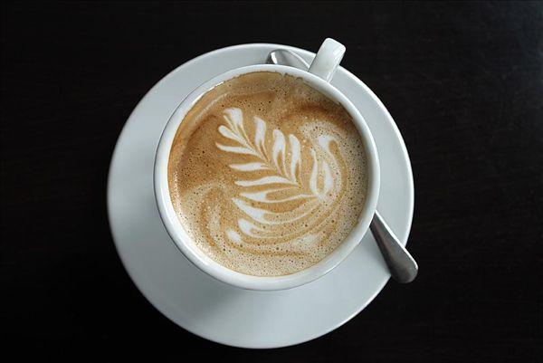 图片标题:杯子,卡布奇诺,仔细察看,叶子,俯视,食物,饮料,热饮,咖啡