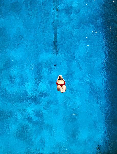 图片标题:俯视,女人,跳水,游泳池