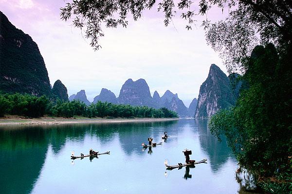 """象山水月奇景,桂林最古老的捕鱼方式""""鱼鹰抓鱼"""""""
