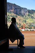 女人 男人 玛拉/一杯冰镇啤酒印度尼西亚阳台休闲餐厅医生,问候,老年,夫妻,等候室...