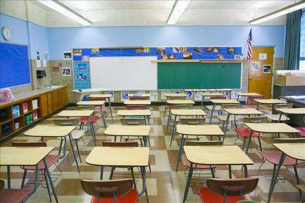 小学 小学女生 小学教室布置