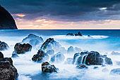 熔岩岩石,和水,在海岸,在大西洋海洋,波尔图服务,葡萄牙