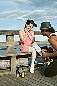 一個,男人,幫助,女人,滑旱冰,康尼島,碼頭