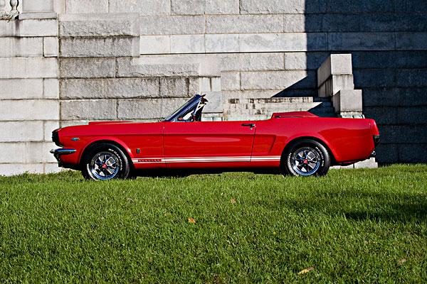 商标,红色,福特野马汽车,敞篷车,侧面视角