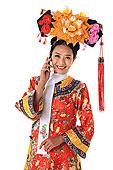 中国少数民族满族女人打电话
