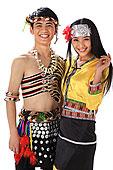 中国少数民族佤族情侣