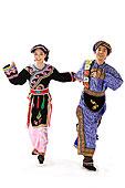 中国少数民族羌族情侣