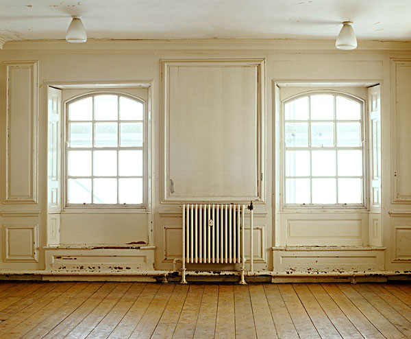欧式护墙板有窗户