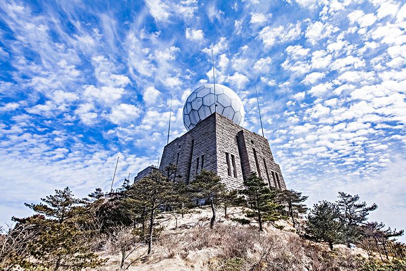 安徽省黄山市黄山风景区光明顶气象站建筑景观